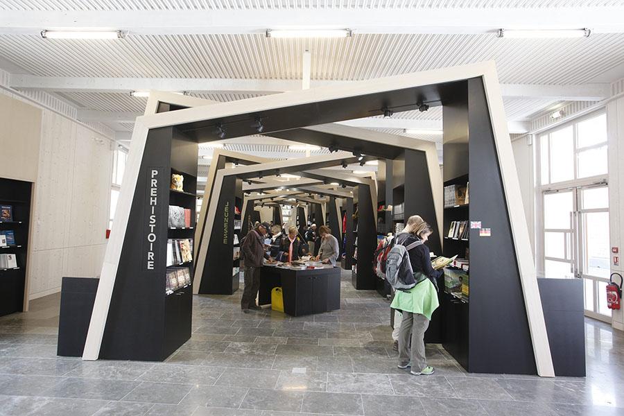 Aménagement Boutique de musée - Grotte Chauvet 2 -Kléber Rossillon