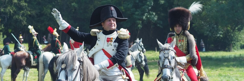 napoleon au memorial de la bataille de waterloo 1815 - reconstitution